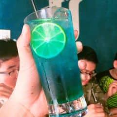 Hờ hờ mỗi lần di urban chỉ thích uống mỗi deep blue, k hiểu vì sao luôn ấy :)) Mà cái ly ở đây sao to dữ vậy ta, khác mấy chỗ urban khác quá vậy nhỉ.