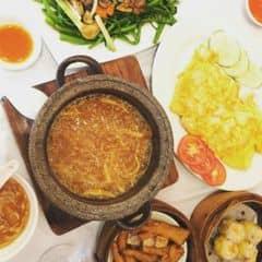 súp thơm ngon, giữ nóng lâu, ăn đc khoảng 2 người. trứng mềm tuỷ bò béo, tuyệt vời. giá hơi đắt