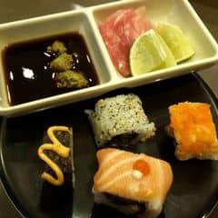 Sushi của Tôm Tịt tại Lẩu Băng Chuyền Kichi Kichi - Cao Thắng - 735749