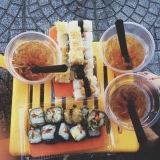 Sushi + kimpap + trà đào của khanhlinhh4 tại 66 Nguyễn Tri Phương, Phú Hội, Thành Phố Huế, Thừa Thiên Huế - 554166