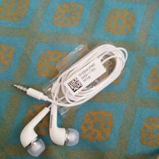 Tai nghe samsung vừa đập hộp a3 của nhung2810 tại Hồ Chí Minh - 2904854