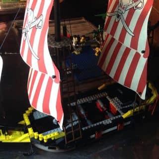 Tàu cướp biển buồm đỏ 550k của letrankhoeminhinembuocxa1994 tại Kiên Giang - 2244310