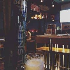 Tháp này cũng k nhiều lắm, cỡ bằng 8 chai bia thôi. Bên vuvu quảng cáo cái bia tươi này của nó dữ lắm tại mới ra mắt mà thấy uống hơi nhạt, nói chung budweiser vẫn ngon nhất