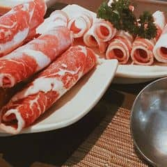 My BAD BAD habit: upload a photo of food when hungry :``> Và đây là thịt tại Kichi Kichi,1 dĩa được tặng :D #happykichi