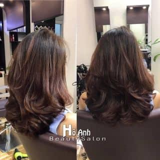 Uốn layer bồng bềnh tại độ phồng cho tóc của hairsalonhoanh tại 31D/24 Trần Văn Quang, phường 10, Quận Tân Bình, Hồ Chí Minh - 3410117