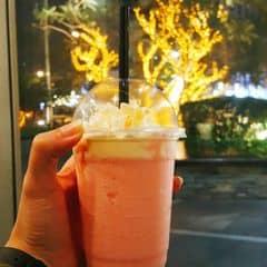 Yogurt dâu 🍓🍓🍓 của Hà Đại Ka tại Angel in us Coffee - Lotte Center Hanoi - 2047800